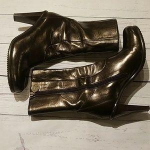 Donald J Pliner 9.5 brown leather high heel boots